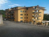 Rif. 1684/A  Appartamento con terrazzino.