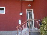 Rif. 1348 /B Appartamento con ingresso indipendente