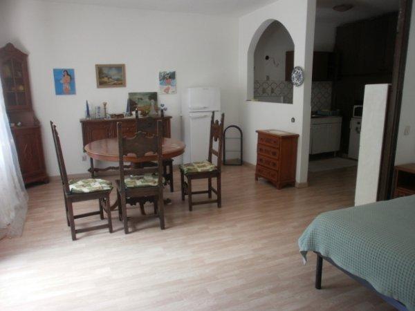 Rif. 1854 Appartamento immerso nel verde.