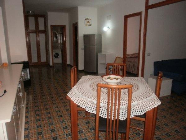 Rif. 1705 Appartamento con terrazzo.