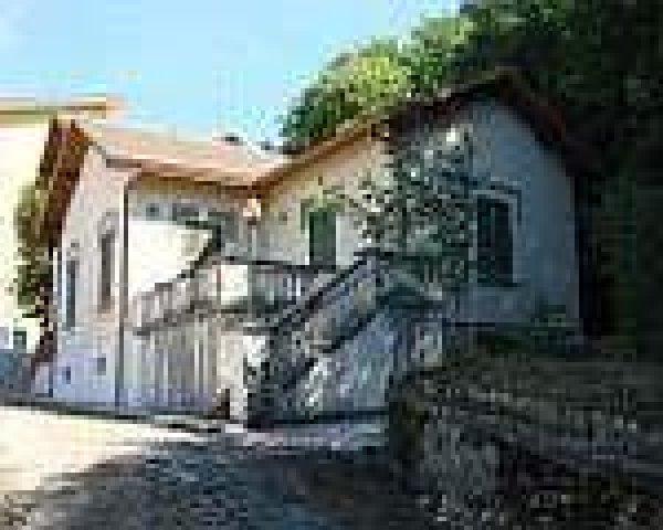 rif. 1031 Fiuggi villa con terreno edificabile
