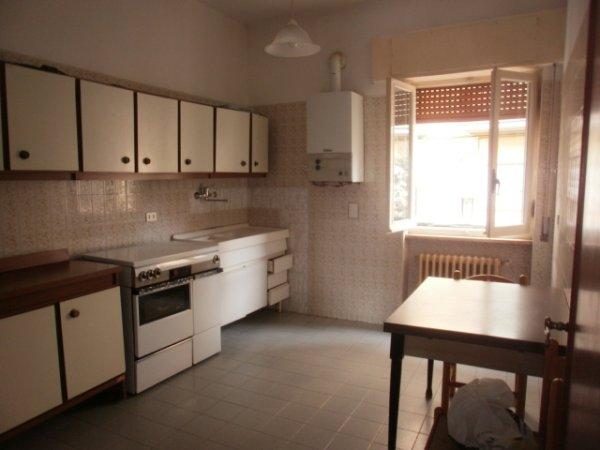 Rif. 1765 Appartamento in piccolo condominio.