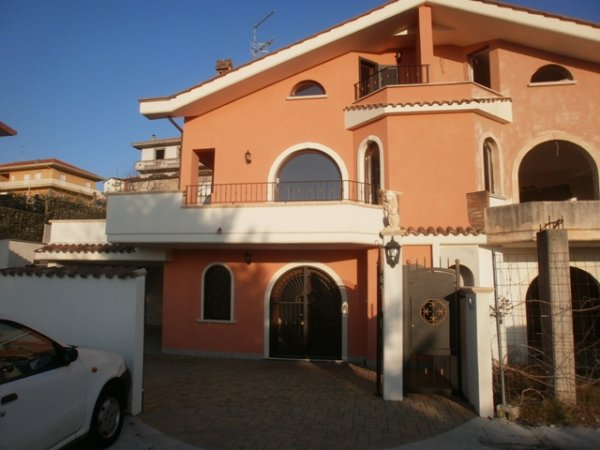 Rif. 1848 Fiuggi villa